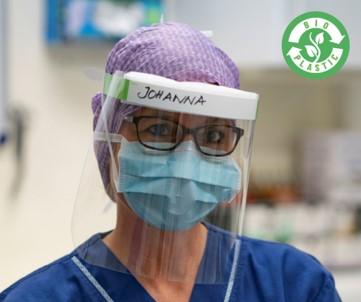 En sjuksköterska med Brigos plastvisir.